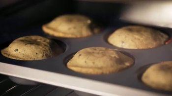 Food Network Kitchen App TV Spot, 'Raise Your Baking Game' - Thumbnail 3