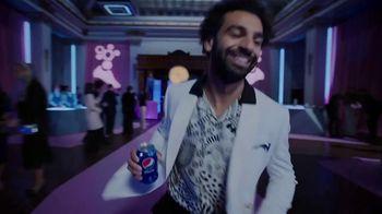 Pepsi TV Spot, 'El juego nunca se detiene' canción de WOST & Ginette Claudette [Spanish]