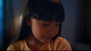 Vaseline TV Spot, 'Courage, Strength and Love' - Thumbnail 8