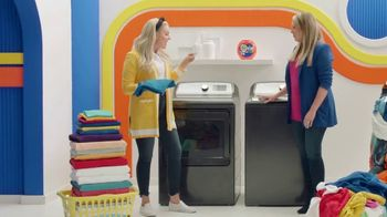Tide Power Pods TV Spot, 'Large Laundry Loads with Cat & Nat' - Thumbnail 2