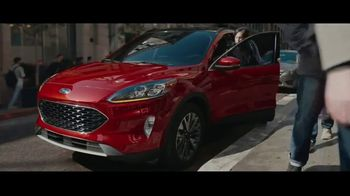 2020 Ford Escape TV Spot, 'Squeeze' [T1] - Thumbnail 3
