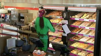 Dunkin' Beyond Sausage Sandwich TV Spot, 'Employee of the Month' Featuring Snoop Dogg - Thumbnail 4