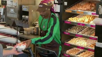 Dunkin' Beyond Sausage Sandwich TV Spot, 'Employee of the Month' Featuring Snoop Dogg - Thumbnail 7