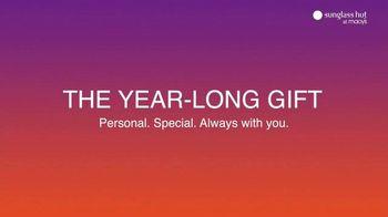 Sunglass Hut at Macy's TV Spot, 'The Year-Long Gift' - Thumbnail 10