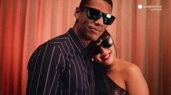 Sunglass Hut at Macy's TV Spot, 'The Year-Long Gift' - Thumbnail 2