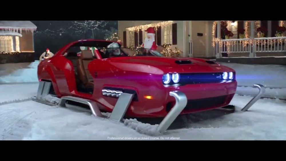 Who Is In The 2020 Christmas Dodge Commercial Dodge Black Friday Sales Event TV Commercial, 'Cul De Sac