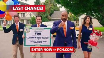 Publishers Clearing House TV Spot, '$2,500 a Week: We Could Be at Your Door' Featuring Steve Harvey - Thumbnail 3