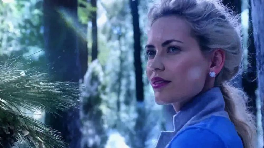 Glade Icy Evergreen Forest TV Commercial, 'Frozen 2: Whisper'