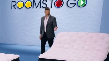 Rooms to Go Holiday Sale TV Spot, 'Choices' Featuring Jesse Palmer - Thumbnail 7