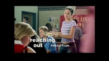 The Foundation for a Better Life TV Spot, 'Reaching Out' Song by Christina Aguilera - Thumbnail 7