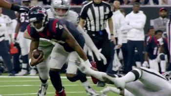 NFL TV Spot, 'Increíble: esto es 100' canción de Raphael Lake, Aaron Levy & Wesley Eugene Smith [Spanish] - Thumbnail 6