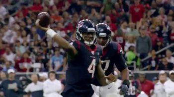 NFL TV Spot, 'Increíble: esto es 100' canción de Raphael Lake, Aaron Levy & Wesley Eugene Smith [Spanish] - Thumbnail 8