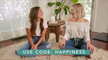 FabFitFun.com TV Spot, 'Winter Box Is Coming' Featuring Maddie & Tae - Thumbnail 7