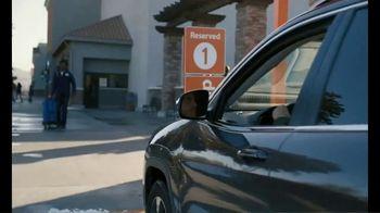 Walmart TV Spot, 'Holidays: Hosting' - Thumbnail 8