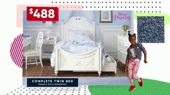Rooms to Go Kids Holiday Sale TV Spot, 'Style and Function' - Thumbnail 4