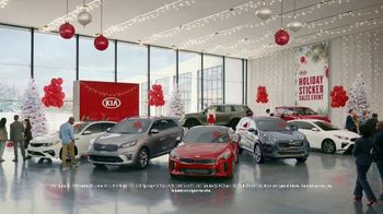 Kia Holiday Sticker Sales Event TV Spot, 'Look for a Sticker' [T2] - Thumbnail 1