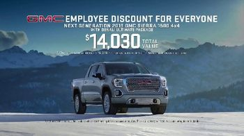 GMC Employee Discount for Everyone TV Spot, 'Puppy' [T2] - Thumbnail 8