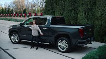 GMC Black Friday Event TV Spot, 'One for You, One for Me' [T2] - Thumbnail 4