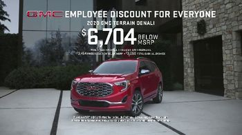 GMC Employee Discount for Everyone TV Spot, 'One for You, One for Me' [T2] - Thumbnail 6