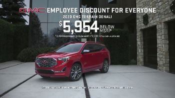 GMC Employee Discount for Everyone TV Spot, 'One for You, One for Me' [T2] - Thumbnail 5