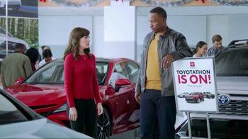 Toyota Toyotathon TV Spot, 'Santa's Elves' [T1] - Thumbnail 3