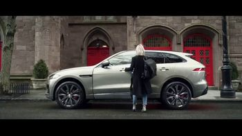 2019 Jaguar F-PACE TV Spot, 'Julia & Aaron' [T1]