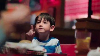 Red Robin TV Spot, 'Lleno de triunfos' [Spanish] - Thumbnail 4