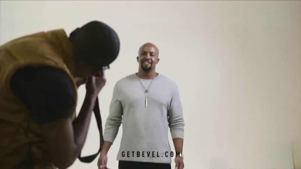 Bevel TV Commercial, 'Day in the Life: Donte Brown'