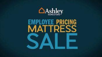 Ashley HomeStore Employee Pricing Mattress Sale TV Spot, 'Guaranteed Lowest Prices' - Thumbnail 2
