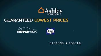Ashley HomeStore Employee Pricing Mattress Sale TV Spot, 'Guaranteed Lowest Prices' - Thumbnail 3