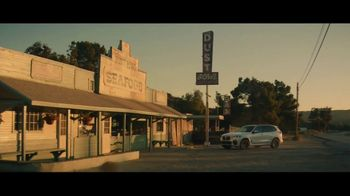 2020 BMW X5 TV Spot, 'Seafood' [T2] - Thumbnail 6