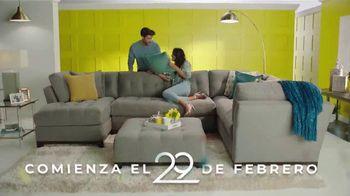 Rooms to Go la Venta de Aniversario TV Spot, 'Financiamiento' canción de Junior Senior [Spanish] - Thumbnail 2