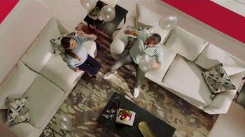 Rooms to Go la Venta de Aniversario TV Spot, 'Financiamiento' canción de Junior Senior [Spanish] - Thumbnail 3