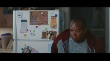 Clorox Disinfecting Wipes TV Spot, 'Defenderse: baloncesto' canción de Donnie Daydream [Spanish] - Thumbnail 4