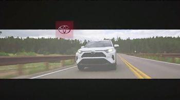 Toyota RAV4 TV Spot, 'There's a Reason: RAV4' [T2] - Thumbnail 8