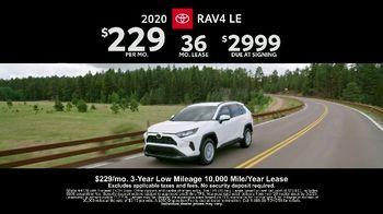 Toyota RAV4 TV Spot, 'There's a Reason: RAV4' [T2] - Thumbnail 7