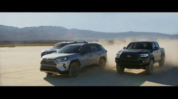 Toyota TV Spot, 'Power Lunch' Song by The Jon Spencer Blues Explosion [T1] - Thumbnail 10