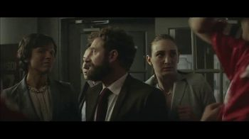 Holiday Inn TV Spot, 'Happy Hour' - Thumbnail 4