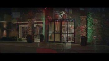 Holiday Inn TV Spot, 'Happy Hour' - Thumbnail 8