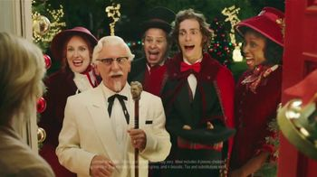 KFC $20 Fill Up TV Spot, 'Holidays: Carolers' - Thumbnail 4