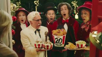KFC $20 Fill Up TV Spot, 'Holidays: Carolers' - Thumbnail 6