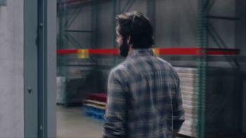 Wells Fargo TV Spot, '2019 AMAs: Helping Food Banks' Featuring Thomas Rhett - Thumbnail 3