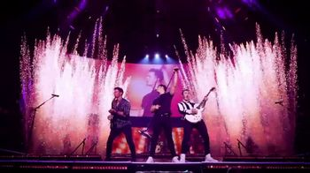 T-Mobile TV Spot, 'Jonas Brothers Happiness Begins Tour' Featuring Jonas Brothers