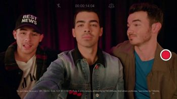T-Mobile TV Spot, 'Jonas Brothers Happiness Begins Tour' Featuring Jonas Brothers - Thumbnail 6
