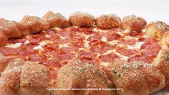 Pizza Hut Stuffed Garlic Knots Pizza TV Spot, 'That's the Stuff' - Thumbnail 4