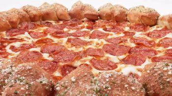 Pizza Hut Stuffed Garlic Knots Pizza TV Spot, 'That's the Stuff' - Thumbnail 7