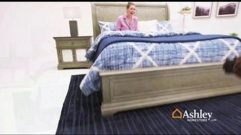 Ashley HomeStore Black Friday Sale TV Spot, 'Early Deals: Sofas' Song by Midnight Riot - Thumbnail 2