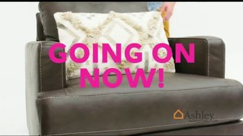 Ashley HomeStore Black Friday Sale TV Spot, 'Early Deals: Sofas' Song by Midnight Riot - Thumbnail 9
