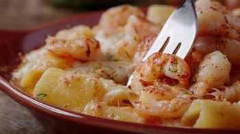 Olive Garden Oven Baked Pastas TV Spot, 'Season's Hottest Must Haves' - Thumbnail 1