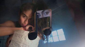 Apple Music TV Spot, 'Discover Jessie Reyez' - Thumbnail 10
